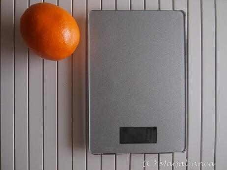Pieni elektroninen keittiövaaka