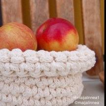 Virkattu omenakori